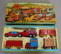 land rover corgi corgi major toys gift set no 23 chipperfield circus comprising