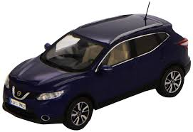 nissan qashqai 2014 black nissan qashqai 2014 diecast model car amazon co uk toys u0026 games