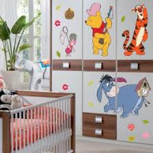 stickers disney chambre bébé stickers géant winnie l ourson à la chasse disney sticker sur