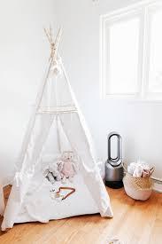 température de la chambre de bébé une chambre purifiée pour bébé grâce à dyson cool link the