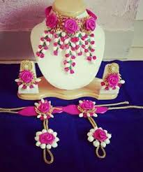 i love this type of flower jewellery for haldi wedding ideas