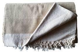 plaid beige canapé tenture kérala plaids couvre lits jetés de canapé provence
