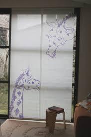 chambre la girafe panneaux japonais girafe moderne chambre d enfant lille par