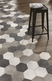 Kitchen Tile Flooring Designs by Best 25 Kitchen Flooring Ideas On Pinterest Kitchen Floors