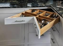 cassetti per cucina 5 idee per utilizzare al meglio lo spazio in cucina helpling