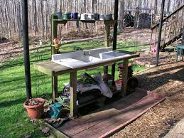 Inexpensive Potting Bench by How To Make A Potting Bench With Old Doors Potting Bench
