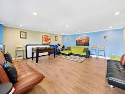 Courts Furniture Store In Queens New York by Jewel Of Flushing Queens U0027 Spacious House W Vrbo