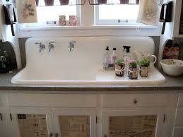 farmhouse sink with backsplash best farmhouse sink best farmhouse sink ideas on farm kitchen and