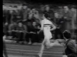 Roger Banister First Four Minute Mile Hq Roger Bannister 1954 Youtube