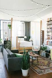 best 25 hipster living rooms ideas on pinterest vintage hipster decorate a tiny house living room with ideas to enlarge even the smallest spaces with daybeds storage furniture mirrors and lucite furniture