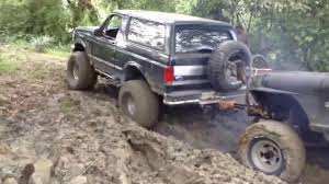 bronco jeep 2017 ford bronco off road in mud pulling jeep cj7 club jaibos 4x4 youtube