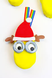 edible minions diy edible minions ornaments step 9 brite and bubbly