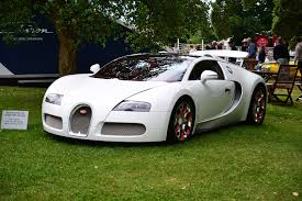 bugatti veyron 2017 bugatti displayed 9 404 horsepower at the 2017 goodwood festival