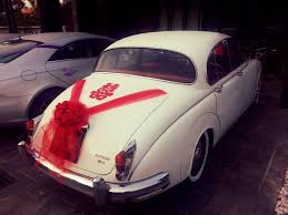 jaguar mk2 red decorations bridal car car