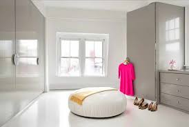 la chambre a coucher chambre a coucher blanche impressionnant l armoire dressing dans la