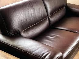 comment nettoyer un canapé en cuir marron entretien canape en cuir comment nettoyer votre canapac cuir