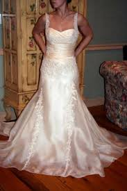 secondhand wedding dresses preowned wedding dresses of the week bravobride