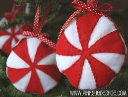 felt christmas ornaments diy felt christmas ornaments chickabug