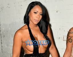 poor thing deelishis sets out thirst trap explaining why her