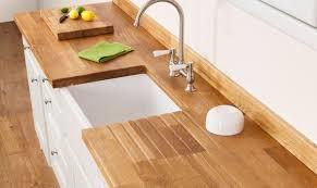 protection plan de travail bois cuisine huiler vitrifier cirer ou vernir un plan de travail en bois