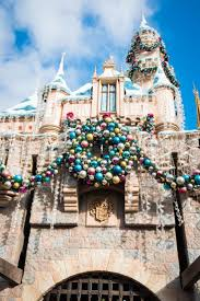 822 best disney christmas images on pinterest disney christmas