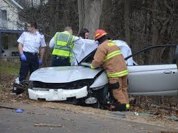 2 michigan teens killed when car crashes into tree