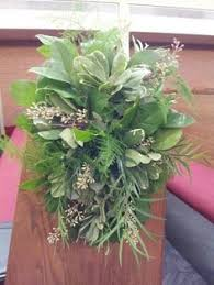 knoxville florists fresh wedding wreath of yellow and white flowers knoxville
