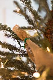 How To Decorate Garland With Ribbon How To Put Ribbon Garland On A Christmas Tree Ehow