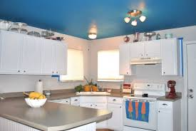 Kitchen Cabinet Top Molding by White Kitchen Cabinets With Molding Kitchen