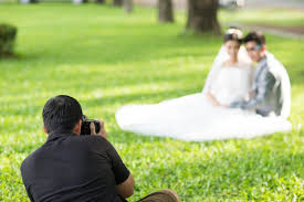 photographer for wedding how to select a wedding photographer boston magazine