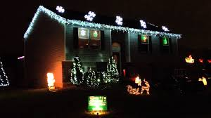christmas lights set to music of trans siberian orchestra