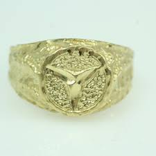 mercedes benz logo 14kt gold 4 2g ring with mercedes benz logo property room