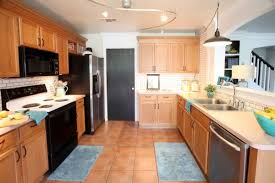 kitchen paint color oak cabinets colors to complement honey oak