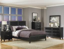 Italian Style Bedroom Furniture by Decorate Your Bedroom With The Stylish Black Lacquer Bedroom For