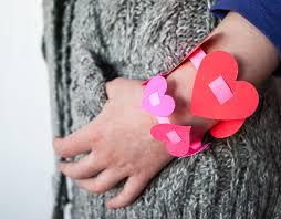 bracelet craft hand images Easy diy valentine 39 s day paper heart bracelets for kids jpg