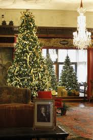 Holiday Decor Stan Hywet Hall Draws On Vintage Christmas Cards For This Year U0027s