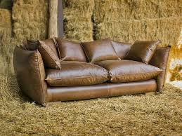 canapé marron cuir le canapé de cuir vintage donne un style solide à votre habitation