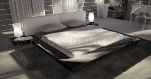 Platform Bed With Headboard Gloss Finish Modern Platform Bed W White Headboard