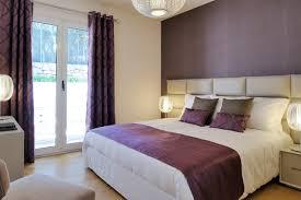 chambre violet et beige chambre avec un mur violet photos et idées déco de chambres