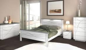 couleur de chambre adulte moderne couleur peinture chambre avec chambre blanche et marron clair