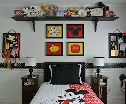 chambre bebe mickey la chambre d enfant mickey mouse retro momes