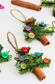 20 ornament ideas to upgrade your tree pretty