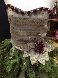 sew much to give my mannequin christmas tree details about the