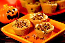 Halloween Cakes Easy To Make by Recipes For Halloween Cupcakes Cookies Punch Cakes With Pictures