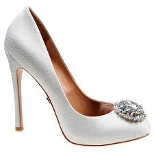 Wedding Shoes For Bride Comfortable Comfortable And Fashionable Shoes For Your Big Day Bridalguide