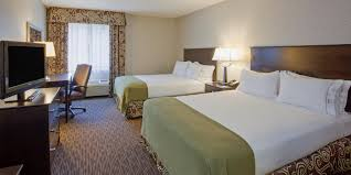 Minneapolis Bed And Breakfast Holiday Inn Express U0026 Suites Minneapolis Dwtn Conv Ctr Hotel By Ihg