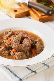 comment cuisiner jumeau boeuf recette bœuf bourguignon au lard fumé