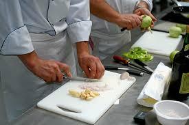 cours de cuisine rodez atelier de cuisine à l école du palais à andré de najac 12