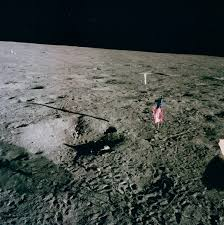 American Flag On The Moon Apolloflags Apollo Flag Site Showing Flags Are Still Aloft