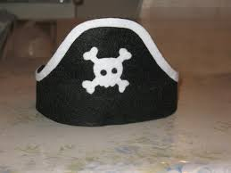 artsy fartsy felt pirate hats